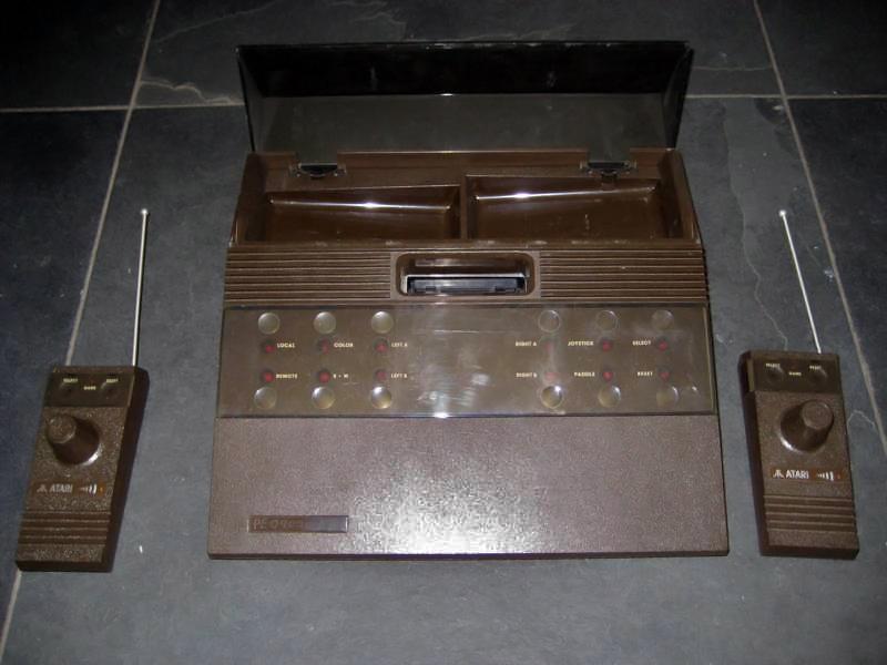 The wireless CX-2700, a home video game console by Atari 1981 (unreleased)