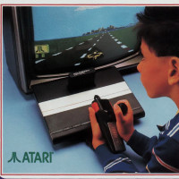 1988 Toys 'R' Us catalog page featuring the Sega Master System and Atari 7800 video game consoles