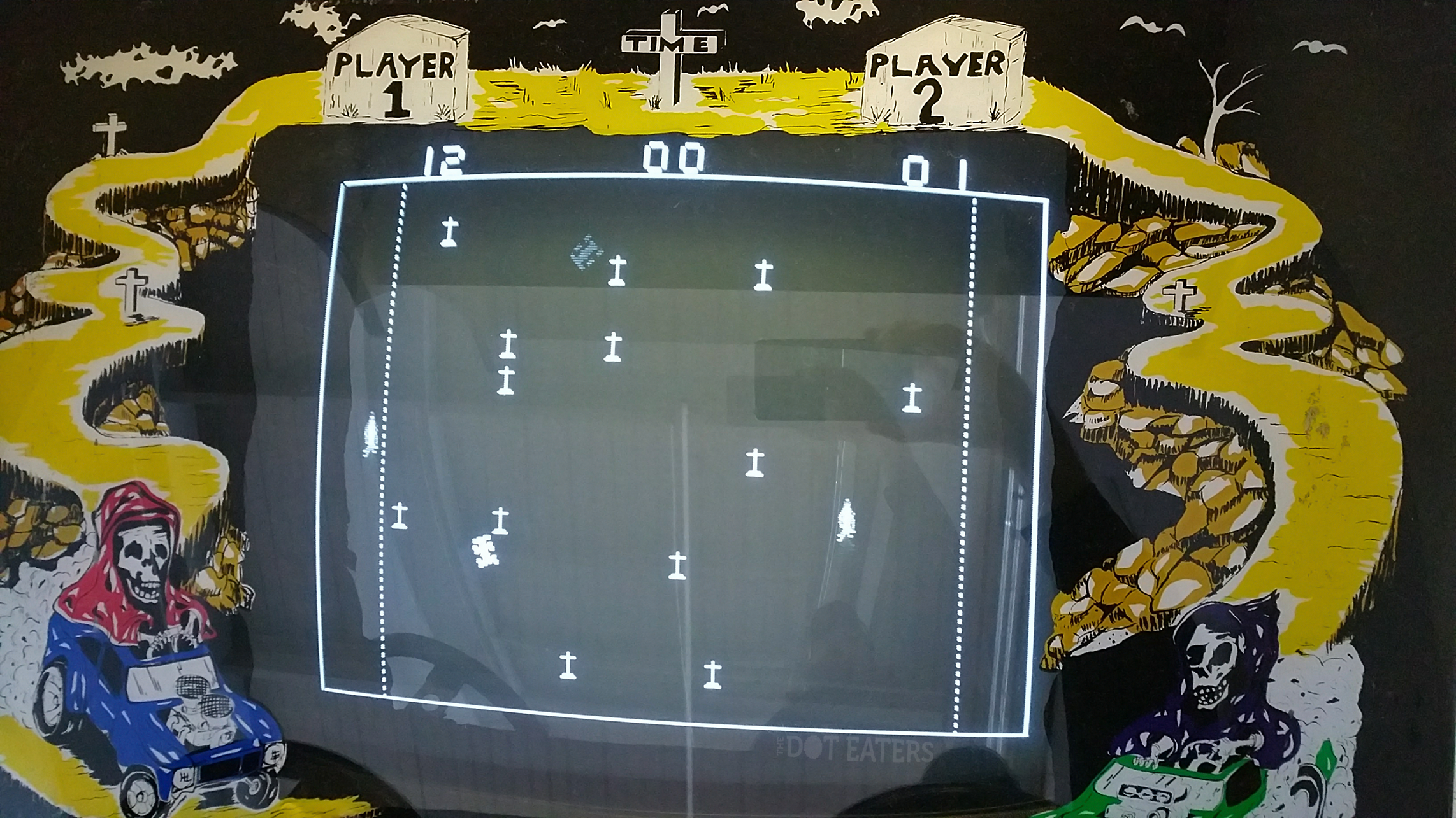 Screenshot of Death Race, an arcade video game by Exidy, 1976