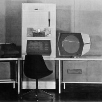 Image of A PDP-1 minicomputer, the same model used in the creation of Spacewar!