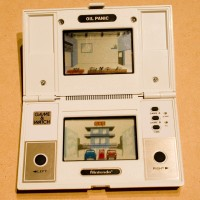Oil Panic, the first multi-screen Game & Watch handheld game by Nintendo 1982